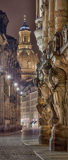 Frauenkirche in Dresden.  Den passenden Koffer für eure Reise findet ihr bei uns: https://www.profibag.de/reisegepaeck/