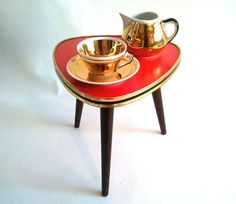 RESERVED FOR A. Red Mid Century Coffee Table / Plant by Lunartics, €50.00
