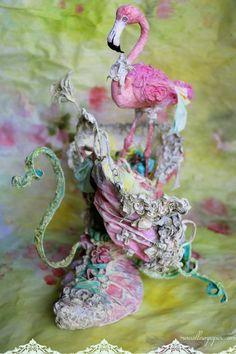 Maison Chaussure et son flamant rose  Shoe house and her flamingo. création  Laétitia Miéral 7aaf56030f8f