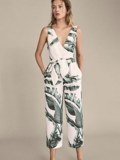 Discover jumpsuits for women this Spring/Summer 2020 at Massimo Dutti. Printed Jumpsuit, Jumpsuit Dress, Linen Dresses, Casual Dresses, Women's Dresses, Palm Tree Print, Jumpsuit Pattern, Printed Linen, Jumpsuits For Women