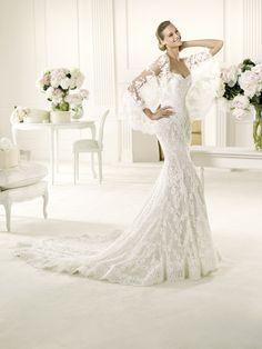 9 best Manuel Mota Wedding Gowns images on Pinterest | Alon livne ...