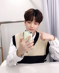 Read Part 47 from the story KISSING BOOTH - Minsung by KangarooChann (kangaroo Chan) with reads. - Seungmin POV - It was. Lee Min Ho, Stray Kids Seungmin, Korean Boy, Kissing Booth, Kids Icon, Lee Know, Bias Wrecker, Minho, Boys Who