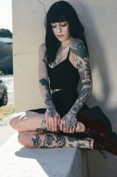 Hannah Snowden... Gorgeous girl with tattoos