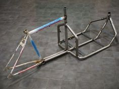 - How to Build a Two Wheel Cargo-bike Picture of Frame Jig and WeldingPicture of Frame Jig and Welding Velo Design, Bicycle Design, Design Design, Diy Welding, Welding Table, Mtb Frames, Velo Cargo, Velo Vintage, Commuter Bike