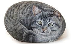 Original Cat Portrait Painted on a Sea Rock di RobertoRizzoArt