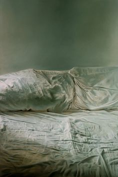 Helen Masacz | Oil on board. 'Empty Bed' won the Best Painting prize at the Battle Contemporary Fine Art Exhibition, September 2011