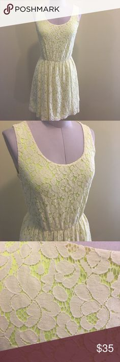 Express XS Ivory Lace Dress with Neon Lining Express XS Ivory Lace Dress with Neon Lining Express Dresses