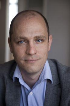 Jelle Brandt Corstius (Bloemendaal, 9 april 1978) is een Nederlands correspondent, publicist en programmamaker. Hij is de zoon van schrijver Hugo Brandt ...