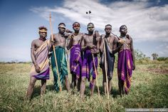 """Einat Klein: """"Africa is Not Just About Colourful Necklaces and Naked Breasts"""" - Bird in Flight Mursi Tribe, African Tribes, Ethiopia, Birds In Flight, Gods Love, Naked, Breast, Gallery, Color"""