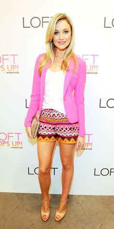 super cute summer outfit!  little more dressy than the usual shorts outfit