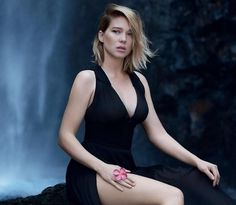 Your number source for everything dedicated to the beautiful and talented French actress Léa Seydoux. Beautiful Celebrities, Beautiful Actresses, Beautiful Women, Beautiful Gorgeous, Bond Girls, Lea Seydoux Adele, Lea Seydoux James Bond, Star Francaise, Blue Is The Warmest Colour