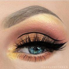 Coloured Eye Makeup Ideas for Blue Eyes > CherryCherryBeauty.com [Source: makeupbytaren / Instagram]