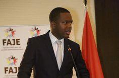 Aos 29 anos, Dj Leandro 300 faz história ao se tornar o Governador mais jovem de Angola https://angorussia.com/noticias/angola-noticias/aos-29-anos-dj-leandro-300-historia-ao-tornar-governador-jovem-angola/