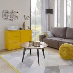 How To Quickly And Easily Create A Living Room Furniture Layout? Living Room Grey, Home Living Room, Living Room Decor, Estilo Interior, Yellow Home Decor, Living Room Furniture Layout, Living Room Inspiration, Interior Design, Decoration