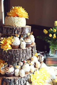 Change the yellow flowers to winter theme and colour scheme. Love how all the cakes are different!