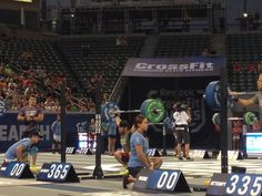 BEAST. WOW. OPENING LIFT. #CrossFitGames #Crossfit #Froning