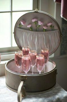 Vintage Vogue with Pink Champagne | soolip