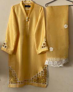 Pakistani Dresses Party, Simple Pakistani Dresses, Pakistani Fashion Party Wear, Pakistani Dress Design, Latest Dress Design, Fancy Dress Design, Stylish Dress Designs, Designs For Dresses, Casual Formal Dresses
