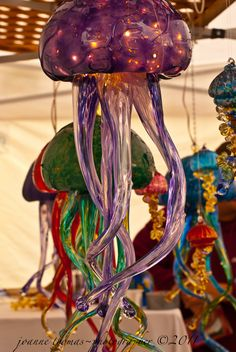 Jellyfish Lights Diorama, Pop Up, Jellyfish Light, Hippie House, Mermaid Under The Sea, Spring Projects, Beautiful Interior Design, Ocean Art, Sculpture