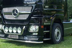 Metec CityGuard til Mercedes Benz Actros - FrontGuard. Mercedes Benz, Antique Cars, Vans, Vehicles, Van, Rolling Stock, Vintage Cars, Vehicle