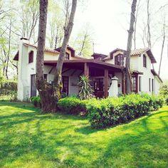 Haftasonunu arkadaşlarınla veya ailenle, doğa ve yeşilin içinde, tertemiz bir havada, rahat villalarda geçirmek ister misiniz?  Beta Home Göl Evleri - Sapanca  0533-6954579 ✨ 6-8 kisilik göl evleri 900 TL'den itibaren.  www.kucukoteller.com.tr/beta-home-gol-evi?utm_content=buffer4c854&utm_medium=social&utm_source=pinterest.com&utm_campaign=buffer