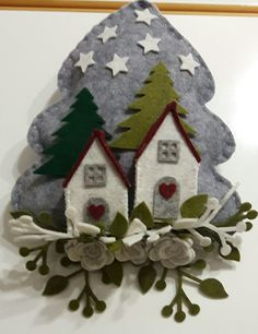 Natale feltro - by Luisa Valent Christmas Fabric Crafts, Felt Christmas Decorations, Christmas Ornament Crafts, Christmas Embroidery, Felt Ornaments, Felt Crafts, Holiday Crafts, Diy And Crafts, Christmas Images