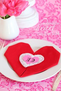 Heart-Napkin-Folding-step-by-step