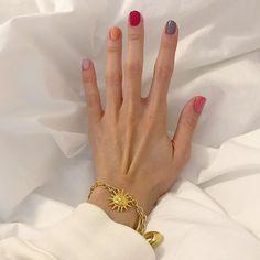 Nail Ring, Nail Manicure, Nail Polish, Diy Nails, Cute Nails, Pretty Nails, Multicolored Nails, Gradient Nails, Galaxy Nails