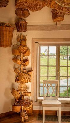 Stroll through Bunny Mellon's Virginia Garden – Garden & Gun Old Baskets, Vintage Baskets, Baskets On Wall, Wicker Baskets, Bunny Mellon, Three Season Room, Nantucket Baskets, Pond Design, Basket Decoration