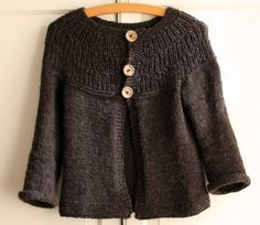 free ravelry pattern, with long sleeve modficiations