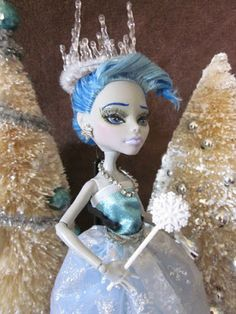 Goth Shopaholic: My 5 Favorite Custom OOAK Monster High Dolls