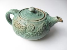 My mom loves teapots and I love this one!