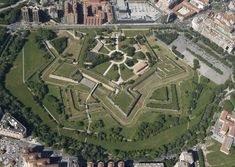Spain: La Ciudadela (XVI century Citadel in Pamplona) Yamaha Virago, Best Places To Live, Places To See, Star Fort, Running Of The Bulls, Beautiful Places, Beautiful Pictures, Spanish Garden, Walled City