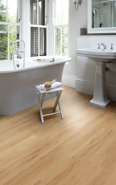 Summer Maple looks fabulous in this warm and inviting bathroom