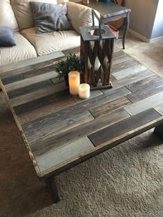 Custom made rustic coffee tables, sofa tables, end tables, lamps, and more - Couchtisch Rustic Sofa, Rustic Coffee Tables, Diy Coffee Table, Diy Table, Rustic Decor, Rustic Farmhouse, Rustic Style, Rustic Cake, Pallette Coffee Table