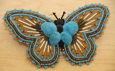 Native Beading Patterns, Beadwork Designs, Native Beadwork, Bead Earrings, Crochet Earrings, Native American Animals, Beaded Moccasins, Native American Beading, Gourd Art