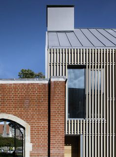 Brighton College / Allies and Morrison Architects School Architecture, Residential Architecture, Architecture Details, Archi Design, Facade Design, Brighton College, Timber Cladding, Arched Windows, Dezeen