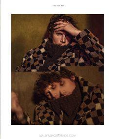 Looks confortables, piezas oversize y elementos tejidos; todo esto forma part del estilismo de Rebeca Baglini en la edición de Septiembre de Essential Homme