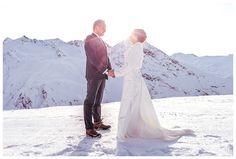 Blitzkneisser-Weihnachten-Wedding-Love-Tyrol-Winter-Hochzeit-Snow-Wedding Snow Wedding, Lace Wedding, Wedding Dresses, Portfolio, Portrait, Photo Booth, Selfie, Engagement, Instagram