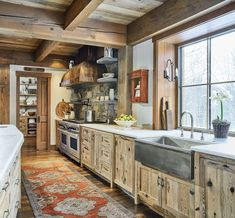 Rustic Country Kitchens, Country Kitchen Designs, Cabin Kitchens, Farmhouse Style Kitchen, Farmhouse Kitchen Decor, Rustic Farmhouse, Ranch Kitchen, White Kitchens, Wooden Kitchen