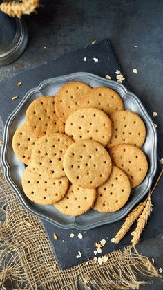 Step-by-step recipe with pictures to make digestive biscuits. How to make whole wheat and oats digestive biscuits recipe. Digestive Cookie Recipe, Digestive Cookies, Digestive Biscuits, Oat Biscuits Healthy, Cookie Recipes, Snack Recipes, Healthy Recipes, Healthy Food, Tea Biscuits