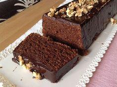 Čokoládový chlebíček s mandlemi Slovak Recipes, Czech Recipes, Chocolate Almond Cake, Almond Cakes, Czech Desserts, Sweet Desserts, Baking Recipes, Cake Recipes, Sweets Cake