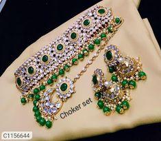 Jewellery Sets Stone Beads, Stone Jewelry, Stones And Crystals, Women's Jewelry Sets, Jewelry Shop, Women Jewelry, Pakistani Jewelry, Indian Jewelry, Bb Ki Vines
