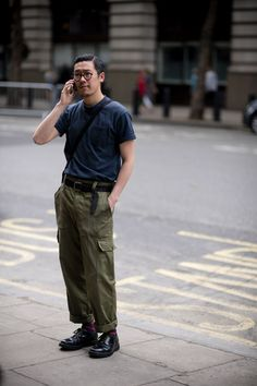 London Fashion Week Men's street style: the strongest looks from the LFWM shows from our photographers and editors London Fashion Week Mens, Best Mens Fashion, Men's Fashion, Workwear Fashion, Fashion Sites, Fashion Clothes, Street Fashion, High Fashion, Fashion Women