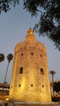 Torre del Oro, Paseo de Cristóbal Colón, Sevilla, España    (Photo - Date: 24-12-2015  /  Time:18:31:03)