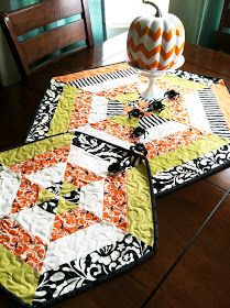 Believe it our not this is a super easy table topper that makes a big impact. It's just strips cut at an angle to make that spider web ...