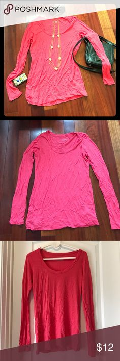 Calvin Klein Pink Long Sleeve Tee Like new! No damages, stains, or wearing. 100% viscose. Soft and light weight. Brand tends to run a bit small but material is slightly stretchy. Calvin Klein Tops Tees - Long Sleeve