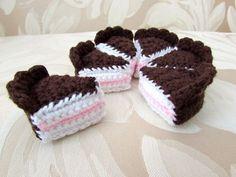 Birthday Cake - Free Amigurumi Crochet Pattern here: http://www.stitch-em.com/post/113201437547/birthday-cake