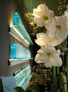 Hialina shelf at Diagonal Hotel (Barcelona, Spain) -Bd Barcelona Design-