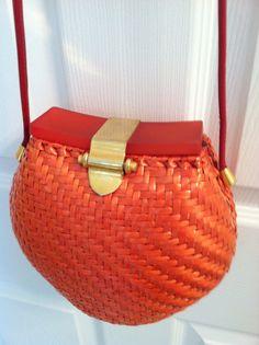 Vintage / vintage purse / Vintage Italian by Cheapvintagefashion, $105.00 https://www.etsy.com/shop/Cheapvintagefashion